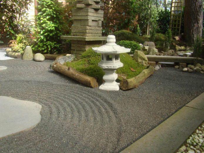 Японский фонарь как элемент сэкитая