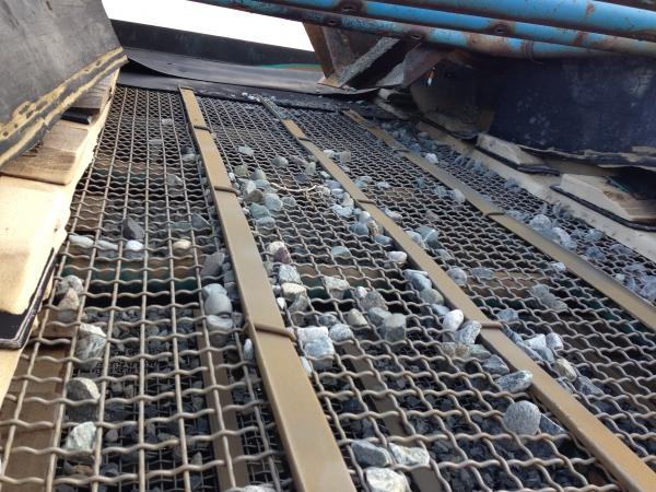 Металлическая сетка для просеивания камней