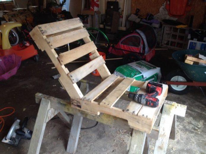 Сборка корпуса кресла