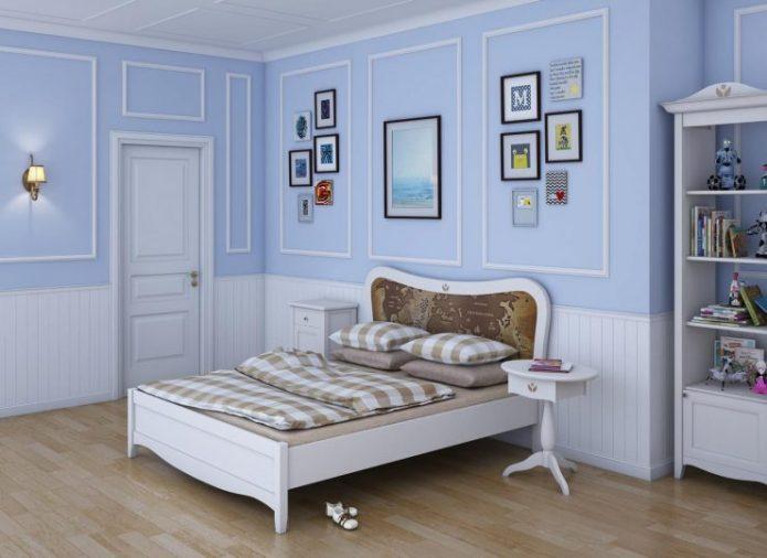 Молдинги в оформлении стен спальни