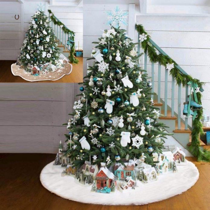 Новогодняя ёлка в пастельных тонах с декором из ткани