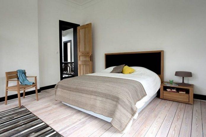Уютная и скромная спальня
