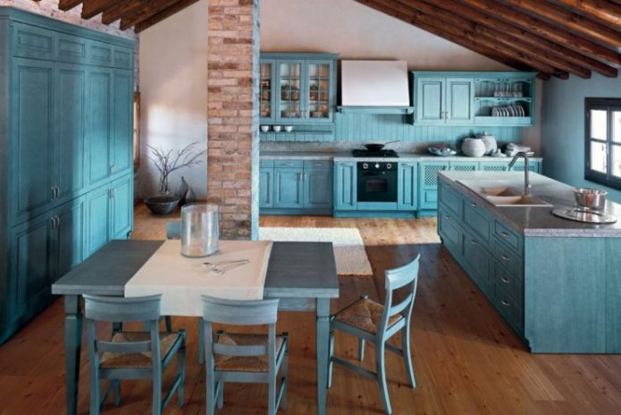 Кухня голубых оттенков в Средиземноморском стиле