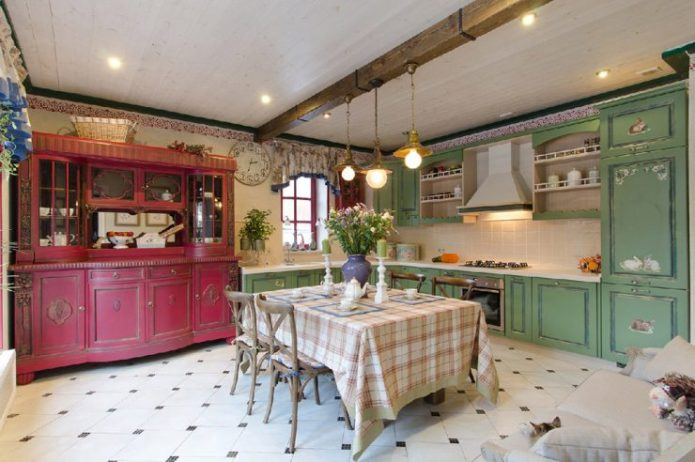 Кухня-столовая интерьера кантри