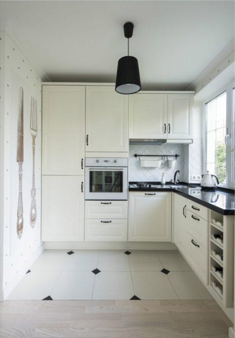 Кухня в классическом стиле белого цвета
