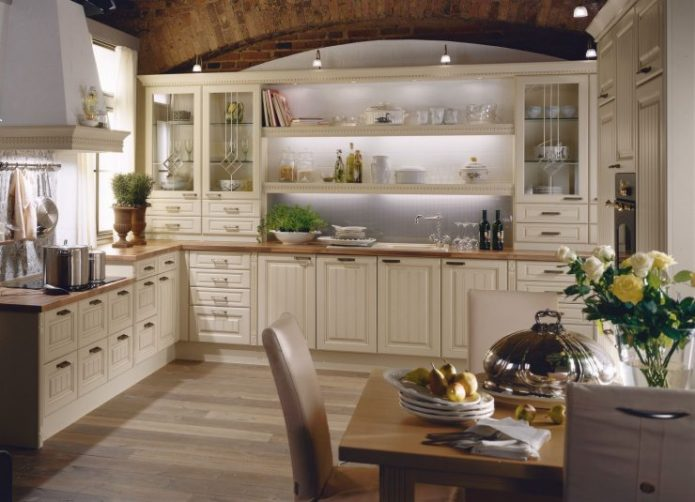 Использование коричневых оттенков в дизайне кухни