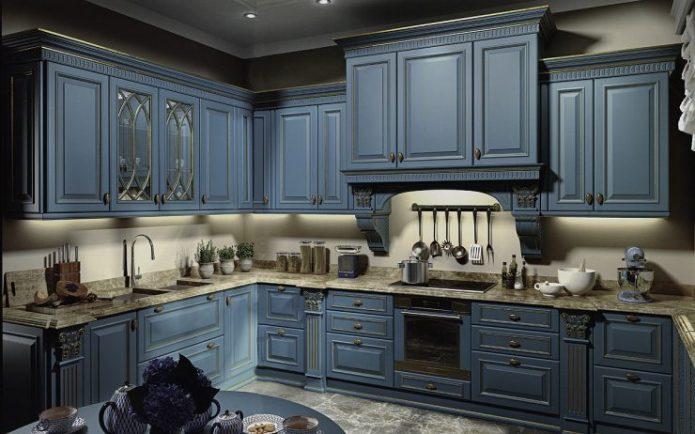 Современная классическая кухня в синем цвете
