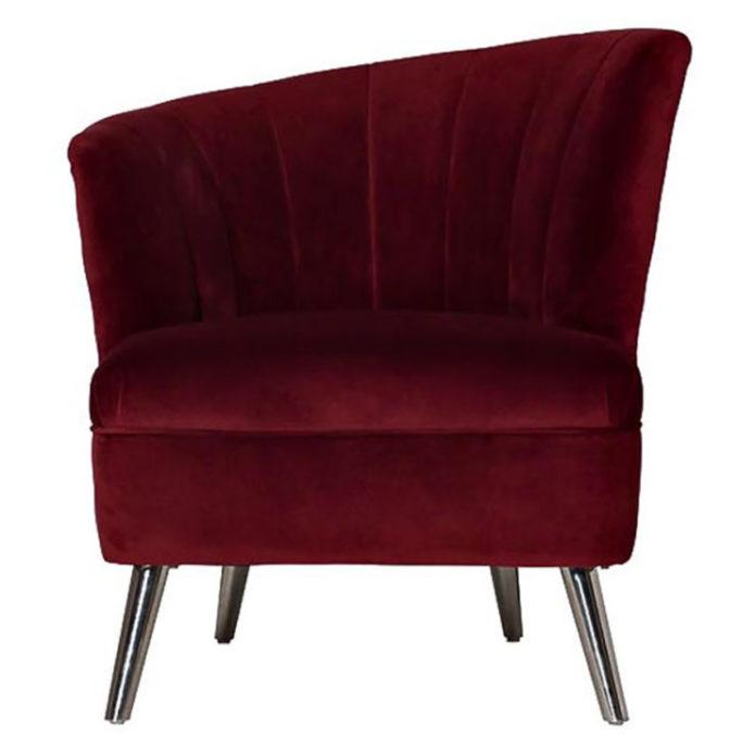удобное кресло для отдыха в гостиной