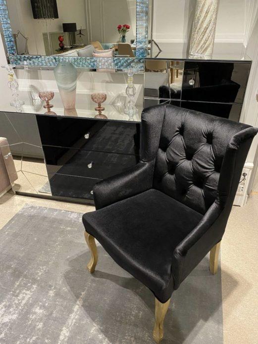 Как выбрать удобное кресло для отдыха в гостиной